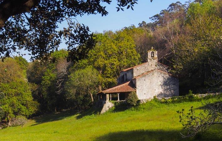 Ermita de San Emeterio. Foto: Turismo de Asturias