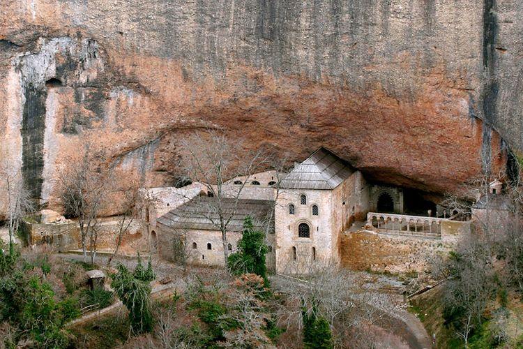 Monasterio de San Juan de la Peña, una de las maravillas del románico aragonés