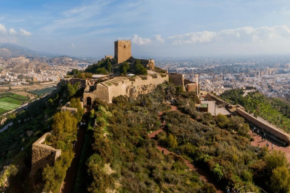 El Castillo de Lorca, en lo alto de un cerro