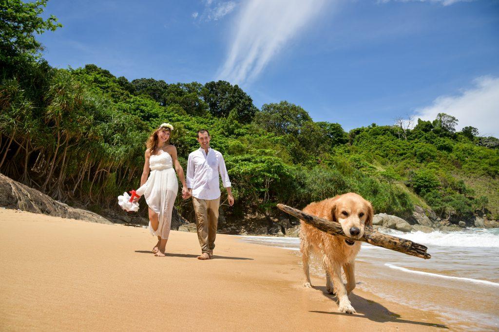 Lauranne, Javier y Meko, en la playa