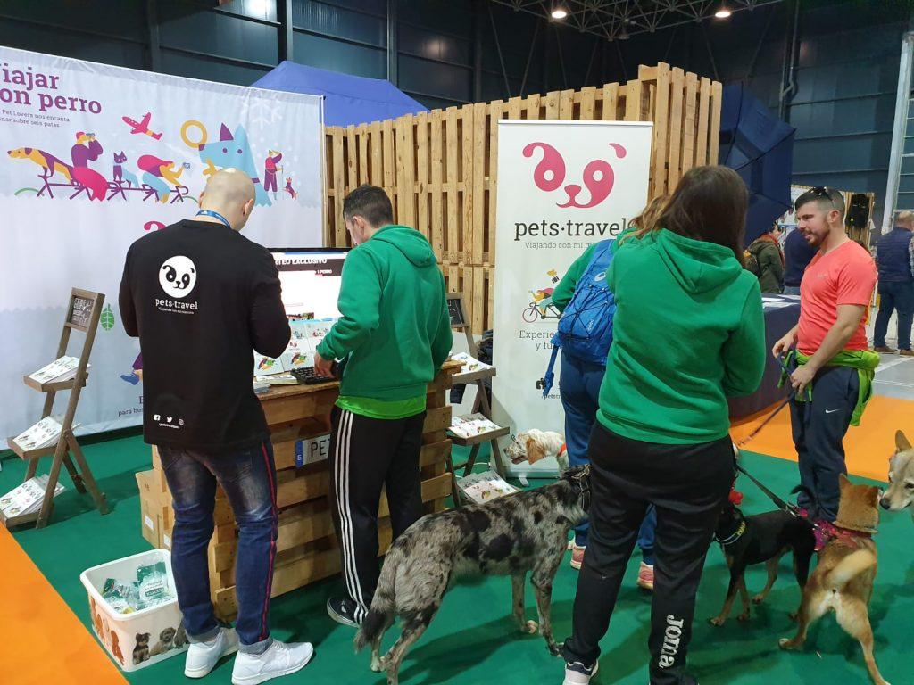 Stand de Pets Travel en Espacio Mascotas