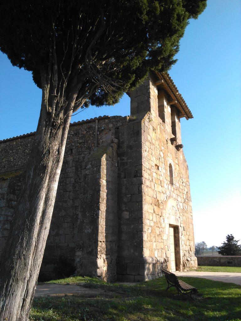 Iglesia de Santa María en Vilamacolum. Foto: Empordà Turisme