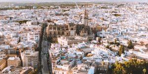 Vista aérea de la ciudad de Sevilla. Foto: Unsplash