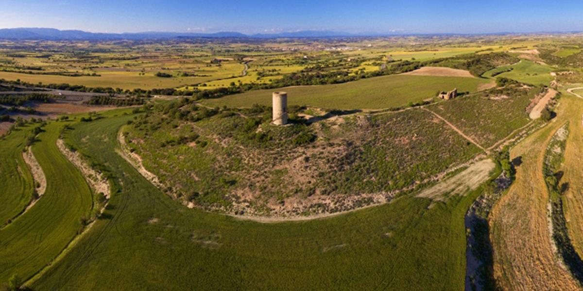Pilar d'Almenara, en la Sierra de Bellmunt