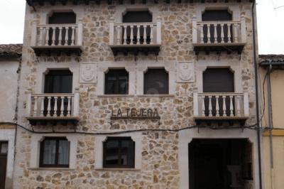 Fachada de la casa rural La Tejera