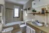 Habitación estándar baño con bañera