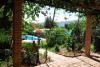 Piscina y jardín en casa Sancho Rullo